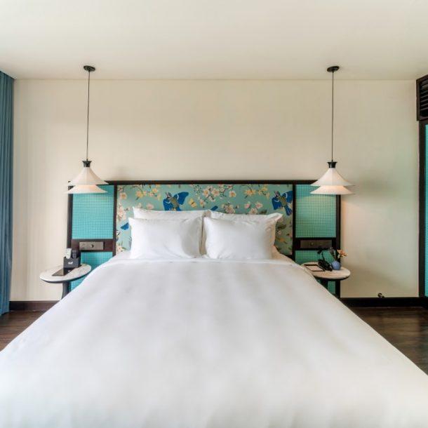 giường size king khách sạn 4 sao
