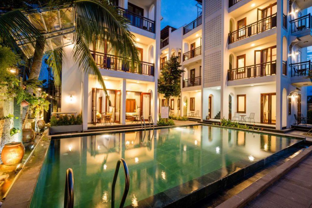 crony Villa